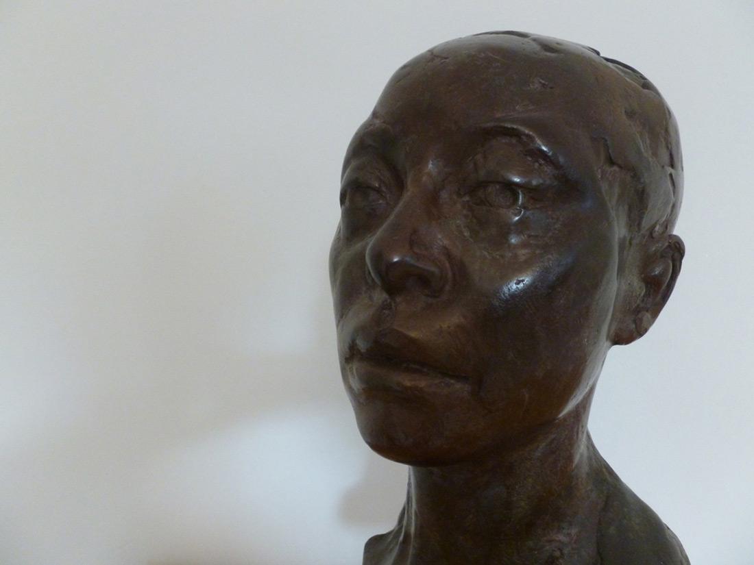bronze sculture sculptor kent