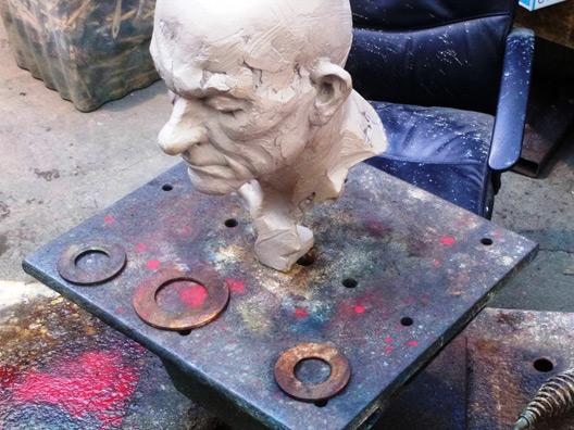 professional portrait sculptor